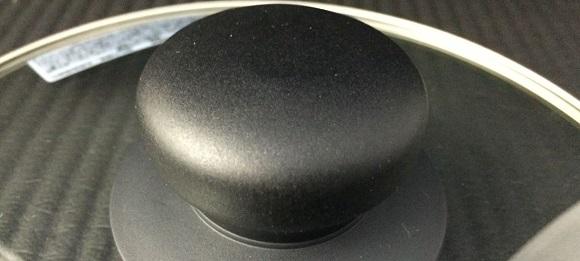 IHK-T32とセットの鍋のふたの取っ手の材質
