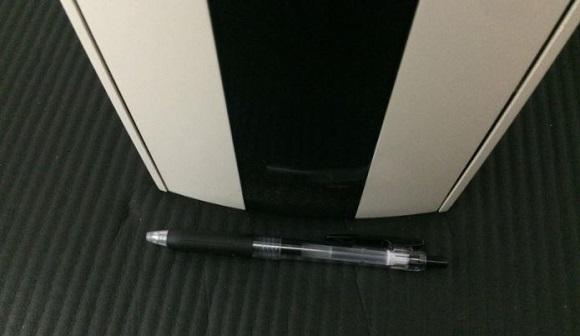 PS5HMSDの幅とボールペンの長さの比較