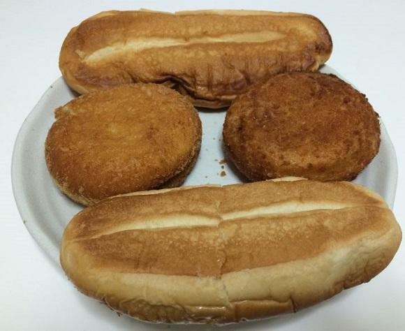 熱風オーブンFVX-M3A-Wでリクックした後の揚げパンとウィンナーパン、ベーコンパンの裏側の見た目
